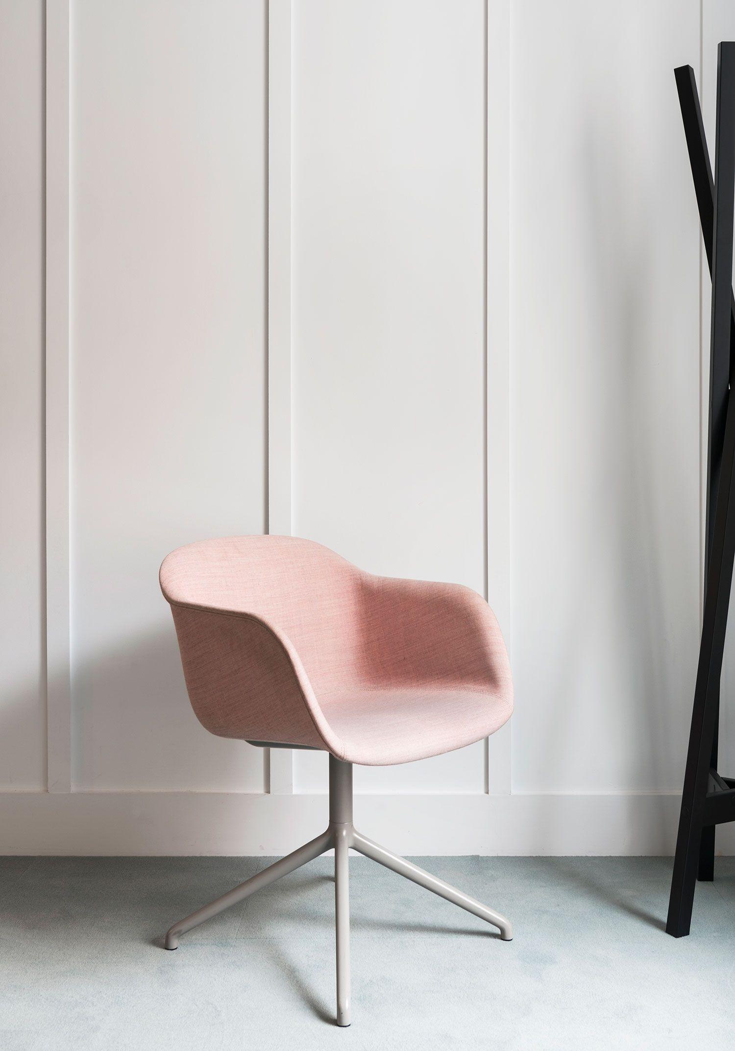 Elegant And Modern Office Chair Decor Inspiration From Muuto The Fiber Armchair Bri Scandinavian Furniture Design Modern Office Chair Dining Room Decor Modern