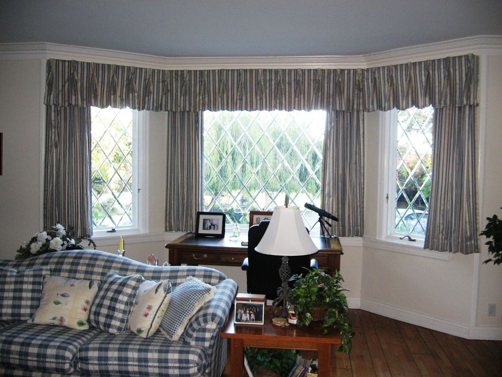 Furniture Wonderful Bay Window Curtains Rods Also