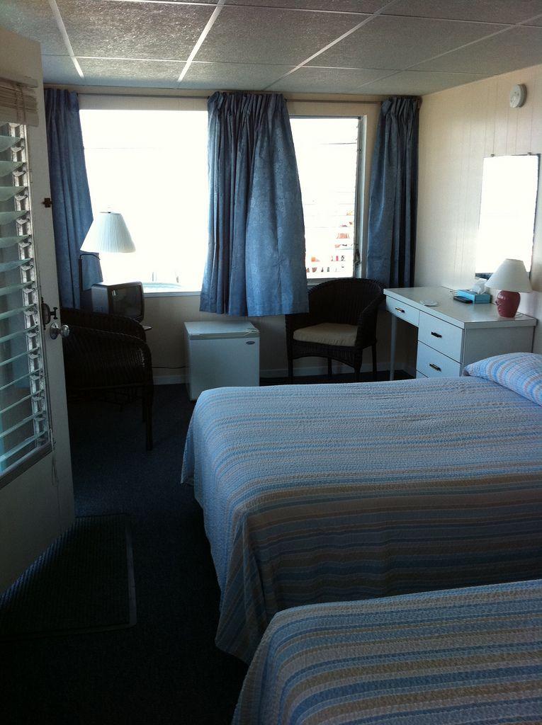 Motel Room Interiors: Hotel Interiors, Motel Room