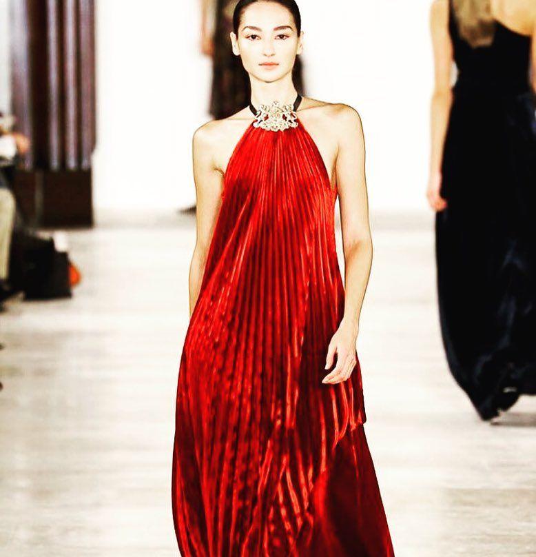 @ralphlauren #ny #nyfw #aw16 #reddress #stunning #ralphlauren #nyc #lagazette #post #blog #blogger #top by lagazettepost