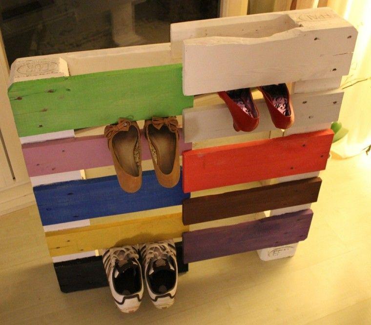 Zapatero hecho con palets de madera espacio de trabajo for Muebles hechos con paletas de madera