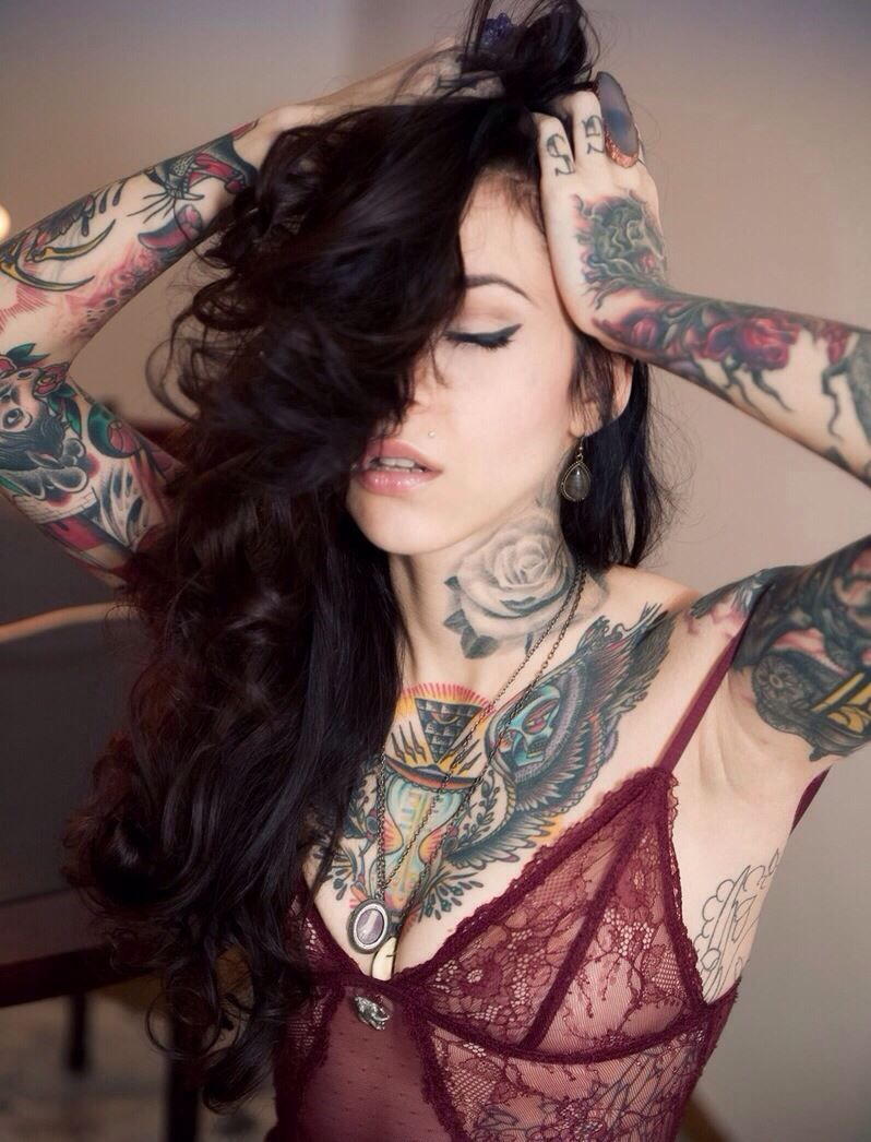 Beautiful tattooed girls u women daily pictures for your