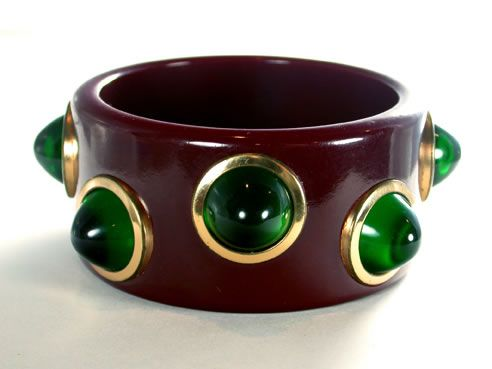 Rare merlot Bakelite Bangle with emerald-green lucite inserts set in brass rings - dreamy!