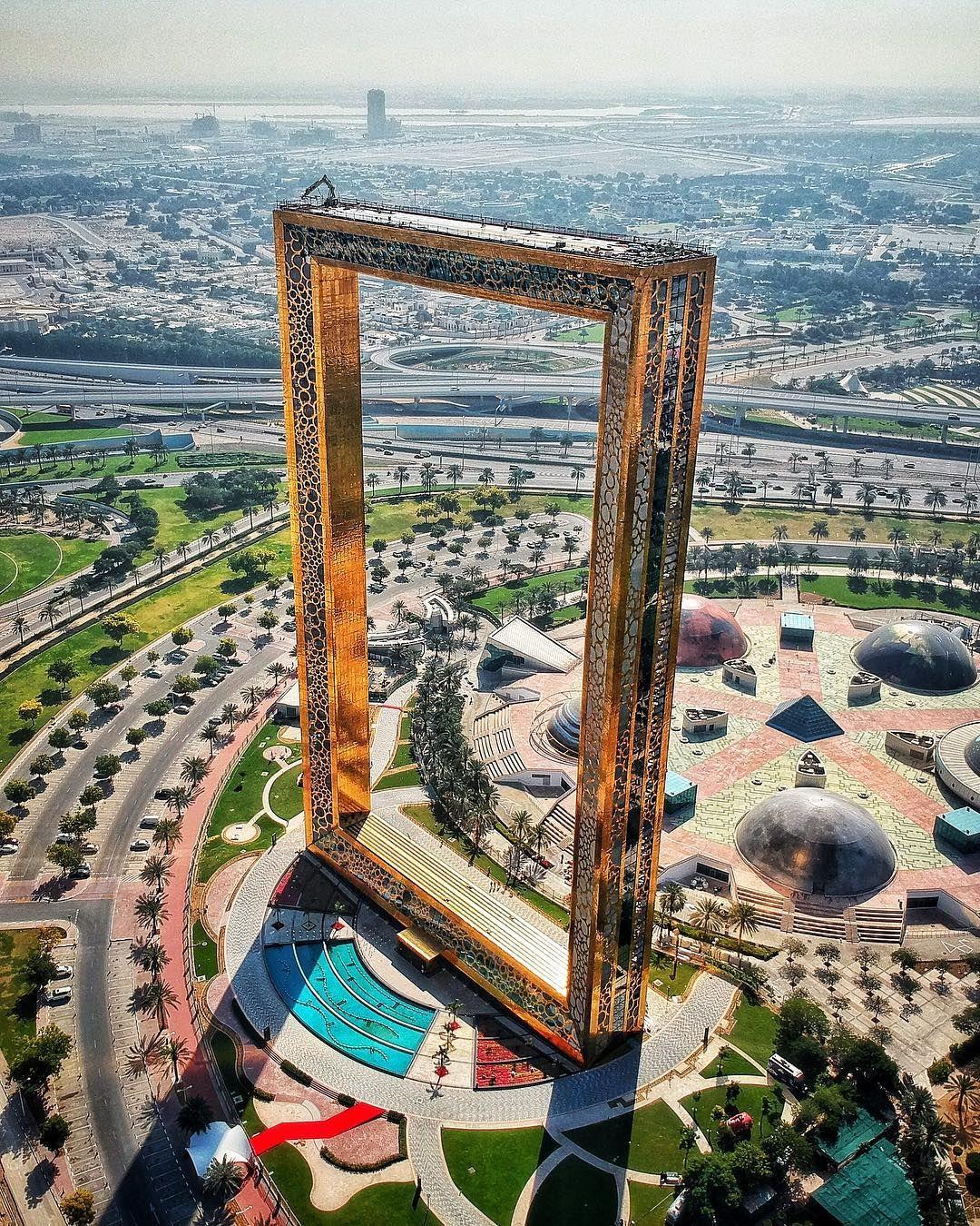 Ouverture du « plus grand cadre d\'image du monde » à Dubaï ...