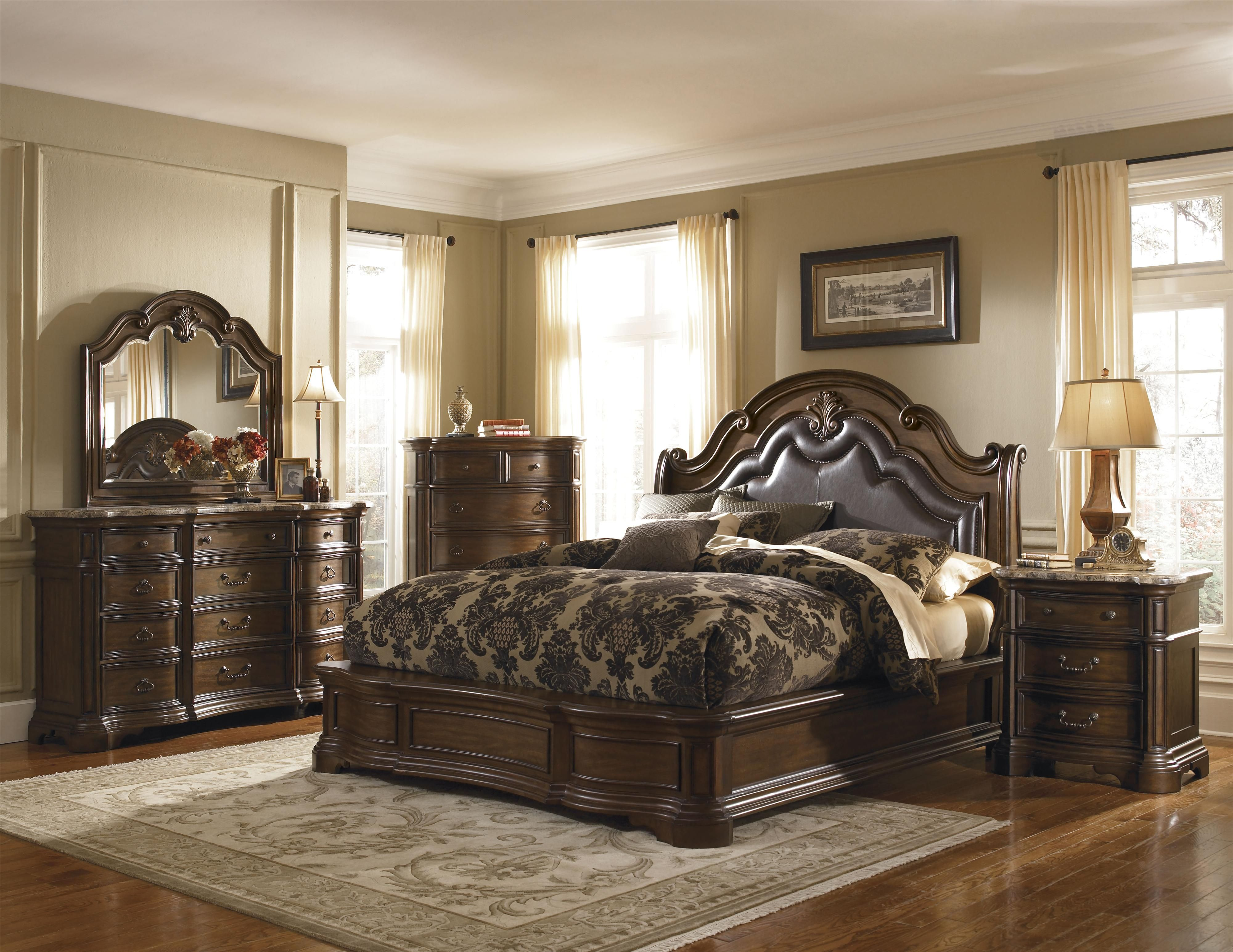 Superieur Courtland Queen Traditional Platform Bed With Upholstered Leather Headboard  And Nailhead Accents By Pulaski Furniture