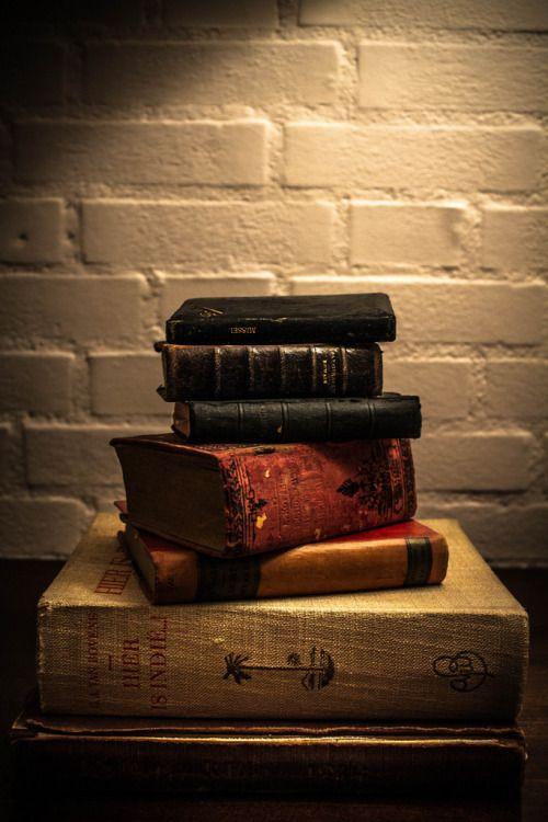 teachingliteracy:  Books (by S66IX_BL)