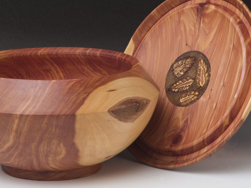 Cedar,Pine Conesin Polyester,8x7.5