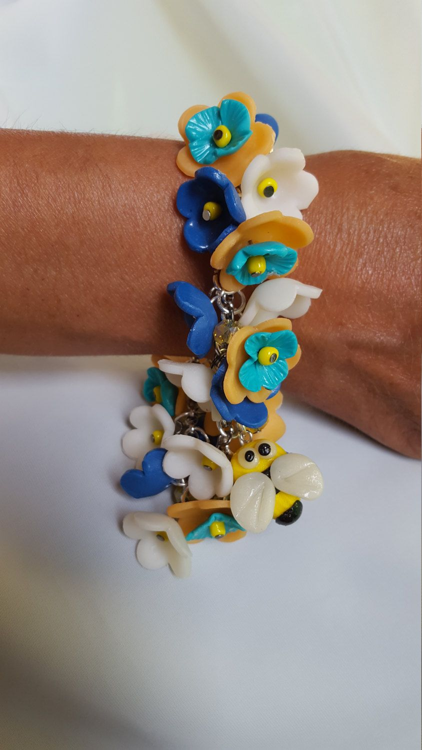 Braceletn bee gift for her yellow white blue handmade colorful flower hypo-allergic idea romantic boho style caribbean gorgeous elegant cute di MegCreationsFenix su Etsy