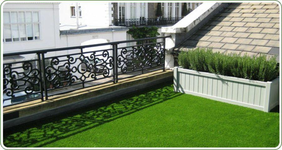 Resultado de imagen de terraza pequeña con cesped artificial