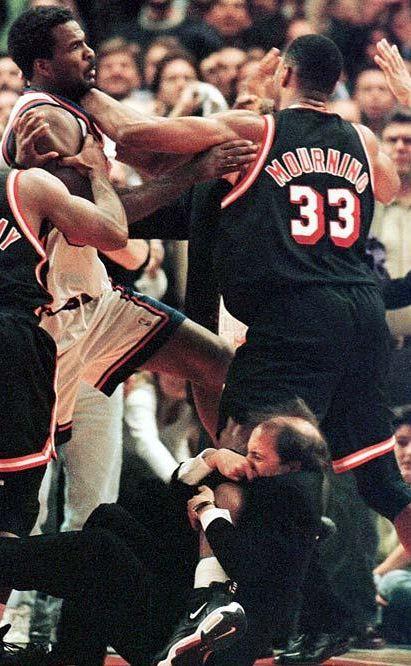 Alonzo Mourning Miami Heat New York Knicks Charles Oakley Nba Fights Alonzo Mourning Nba