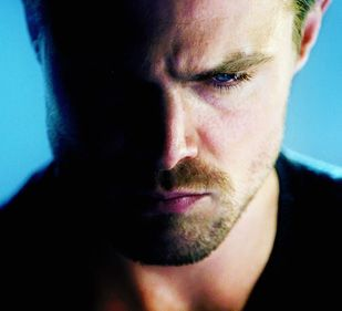 #StephenAmell #Arrow  OH GOD! I SEE THIS FOR THE FIRST TIME!!