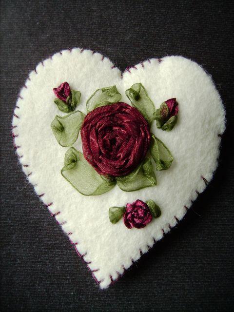 Le Talism'man coeur aux roses de ruban - Mag, un point c'est tout