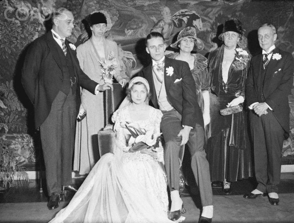 Elliot Roosevelt Marriage Family Photo January 16 1932