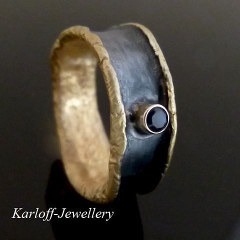 Bark | Silver Ring With Sapphire