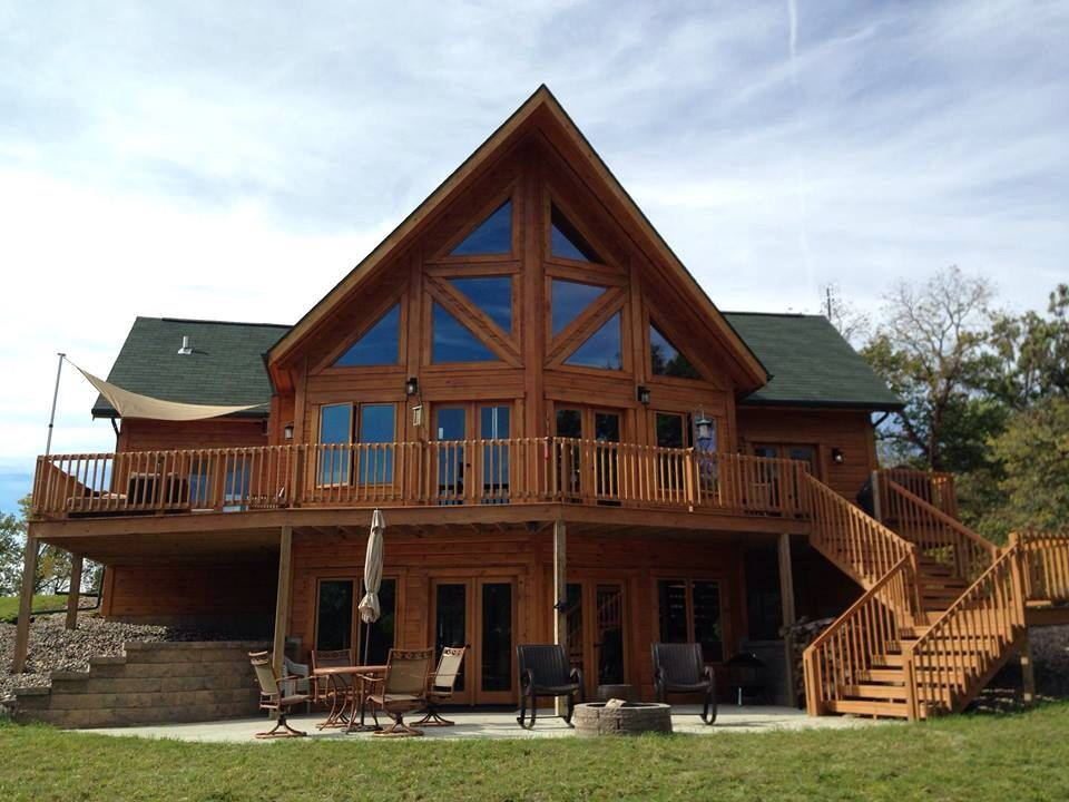Cabin Decks, Log Cabins, Log Cabin Exterior, Deck Stairs, Amazing Houses,  Floor Plans, House Plans, Home Ideas, Decking