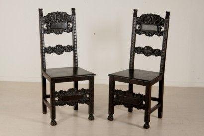 Sedie medievali ~ Quattro sedie in noce massello imbottite e scolpite stile luigi