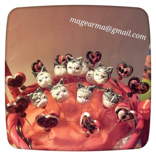 Alfiferes de novia de gatitos y corazones...