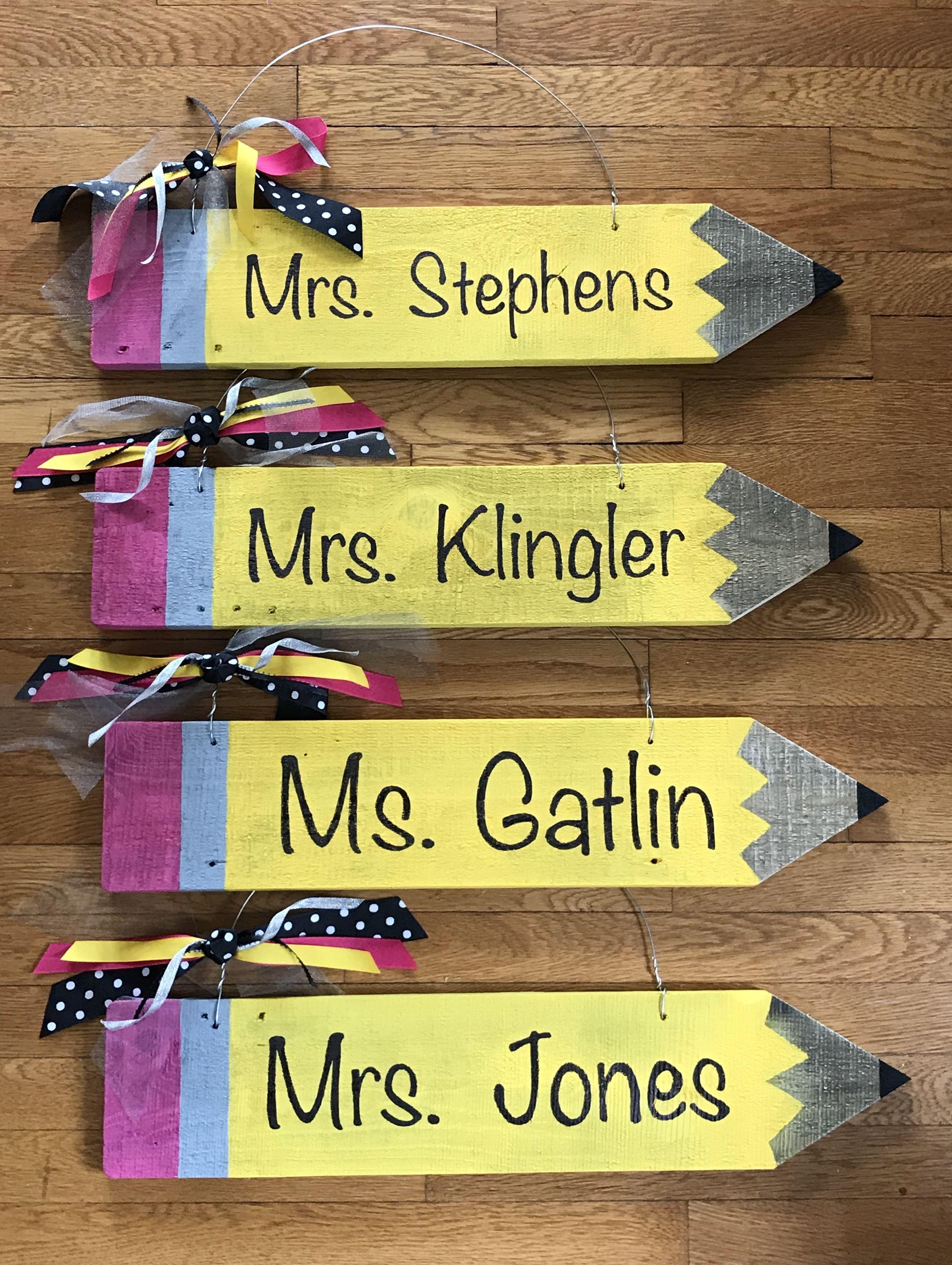 Teachers Pallet Pencil Signs For The Classroom Teacher Wreaths