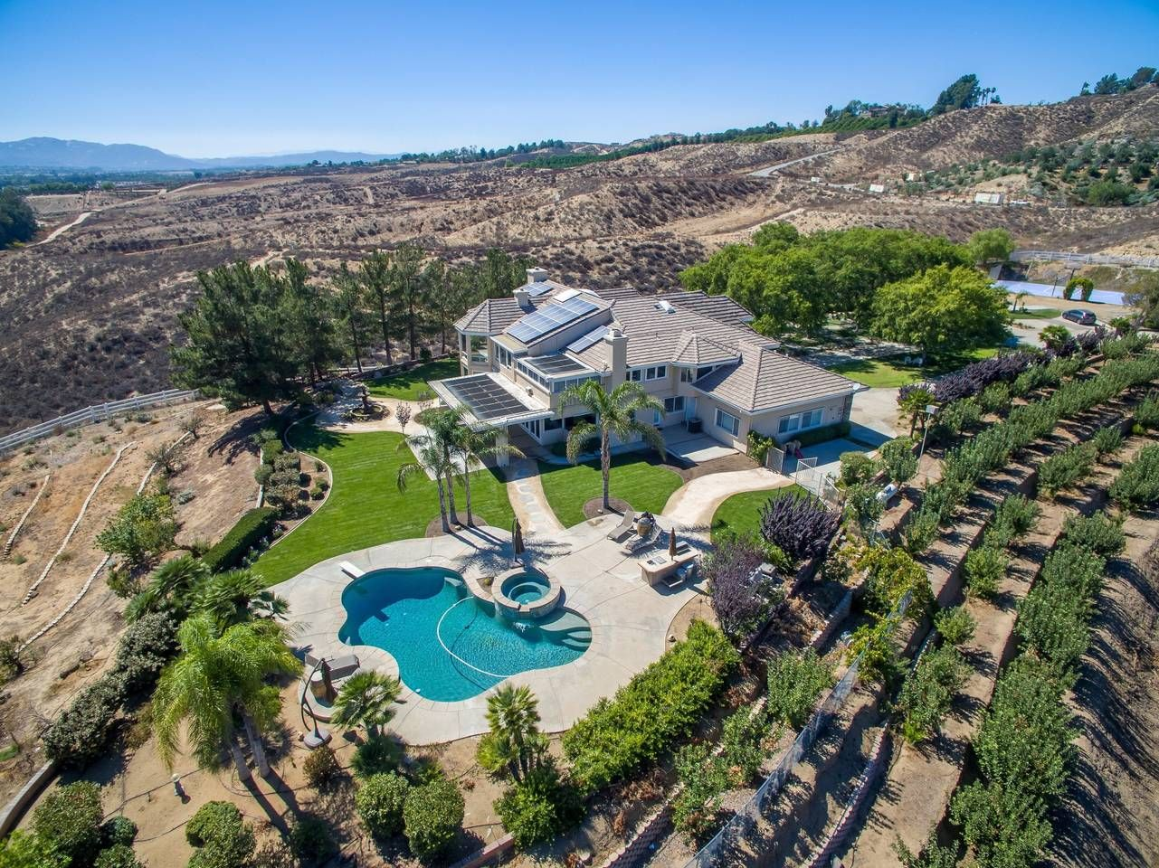 Vineyard View 10 Acre Private Gated Estate Houses For Rent In Temecula California Vacation House Rental Wedding Temecula