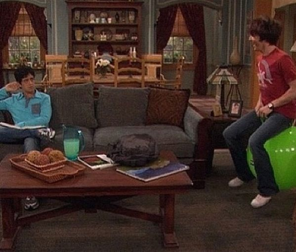 Sit N Bounce Tv Shows Drake Josh Drake Things That Bounce