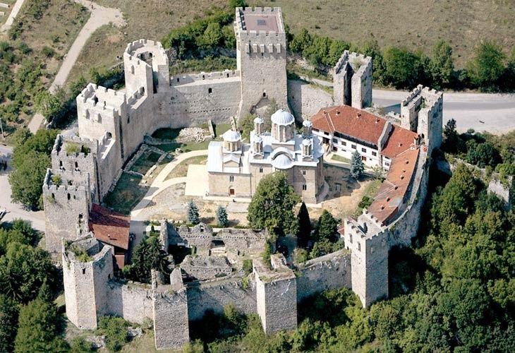 Bilderesultat for Manastir Manasija