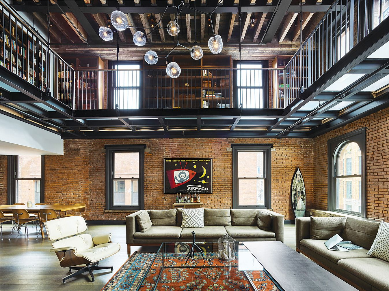 How to do warehouse living in the 21st century warehouse - Warehouse turned into home ...