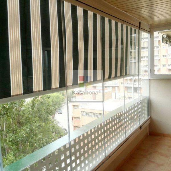 Que le aportan las cortinas de cristal a la terraza de Gemma y sus - cortinas para terrazas
