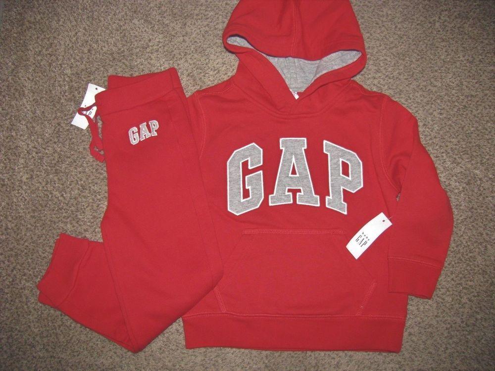 baby Gap NWT Boy/'s 0 3 6 Mo Gray Hooded Sweatshirt Fleece Logo Romper w// Feet