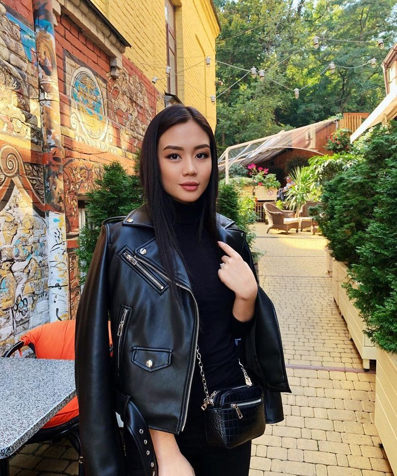 Instagram Crush: Marina Laswick (23 Photos) - Suburban Men