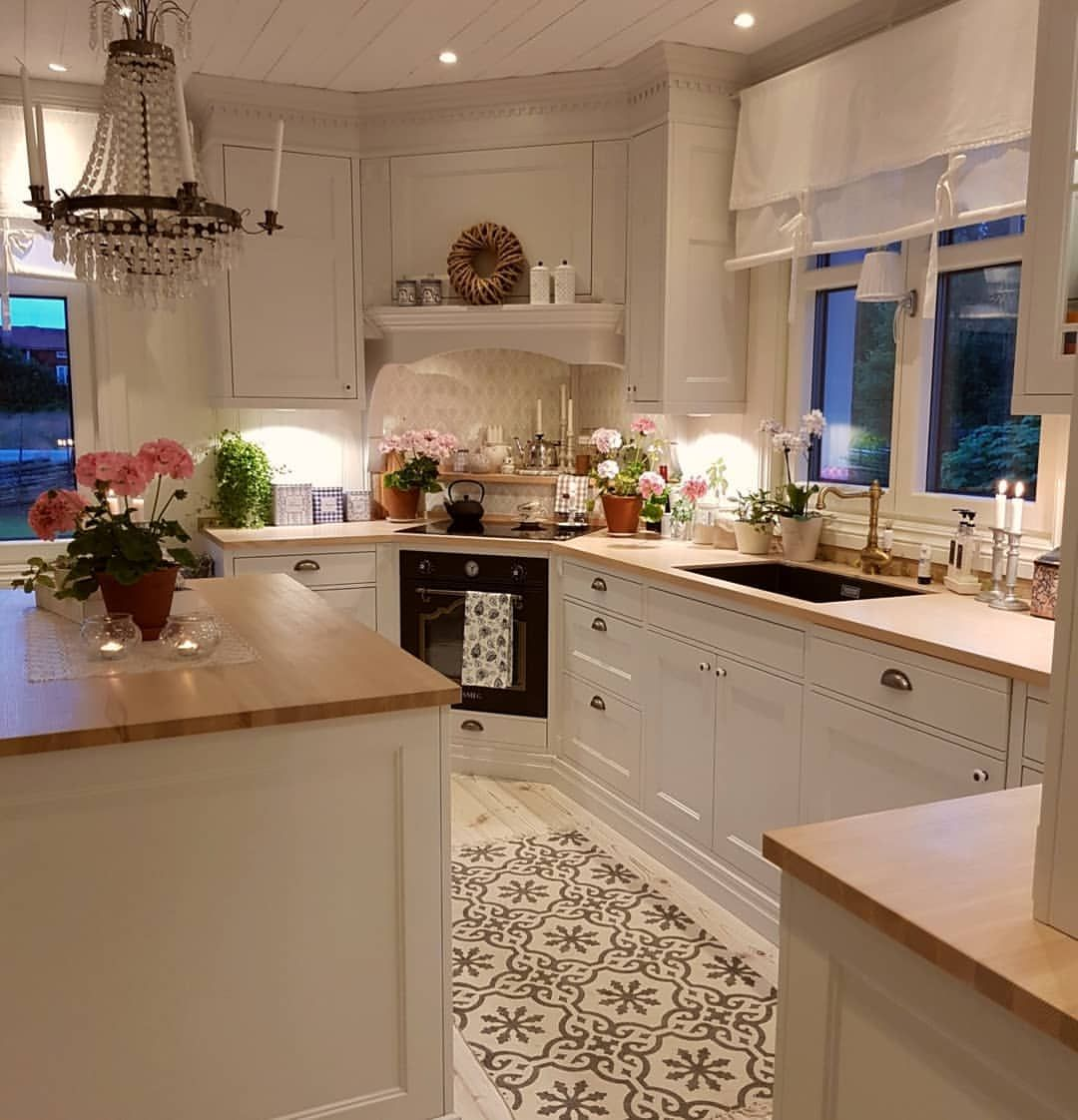 It S Raining Outside My Garden Really Need It After Weeks Of Sunshine And No Rain Houzz Have Written A Kitchen Cabinet Design Home Kitchens Kitchen Interior