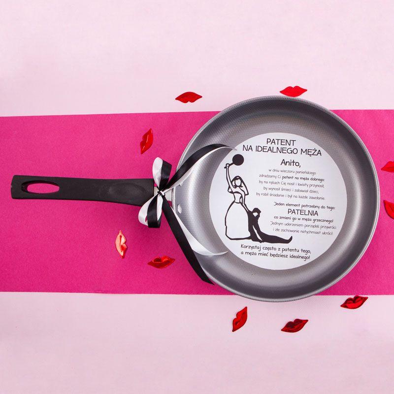 Patelnia Patent Na Meza Z Imieniem W Opakowaniu Engagement Party Wedding Gifts Gifts
