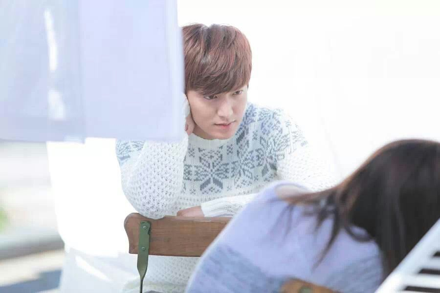 "Lee Min Ho has luxurious hair, lips that are too perfect to be real, mysterious eyes, a perfect nose, and he is 6'2""!"