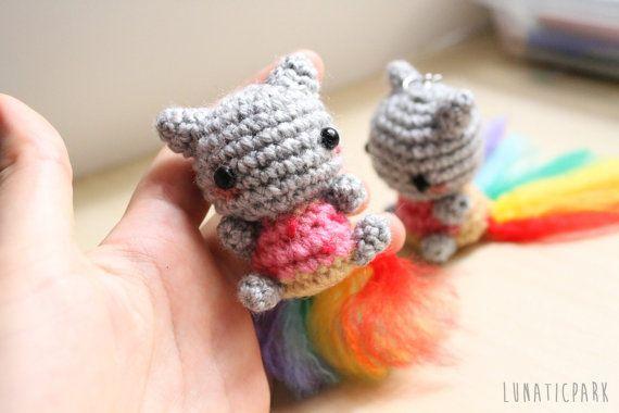 Gato Amigurumi Llavero : Cute amigurumi of nyan cat keychain or mini plush you can choose