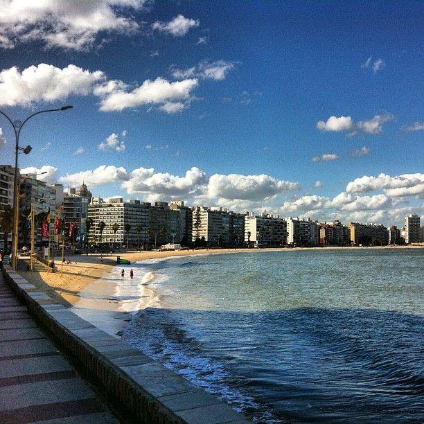 Playa de Pocitos, Montevideo.