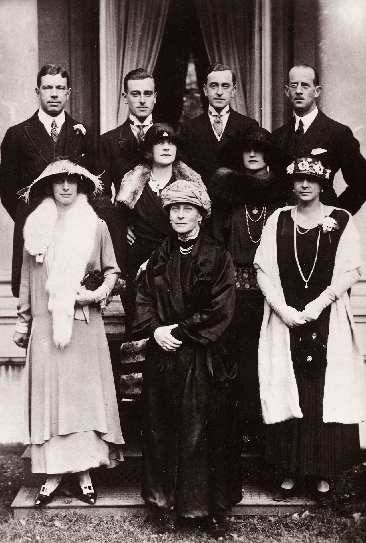 Mountbatten family group featuring many Romanov relatives ...