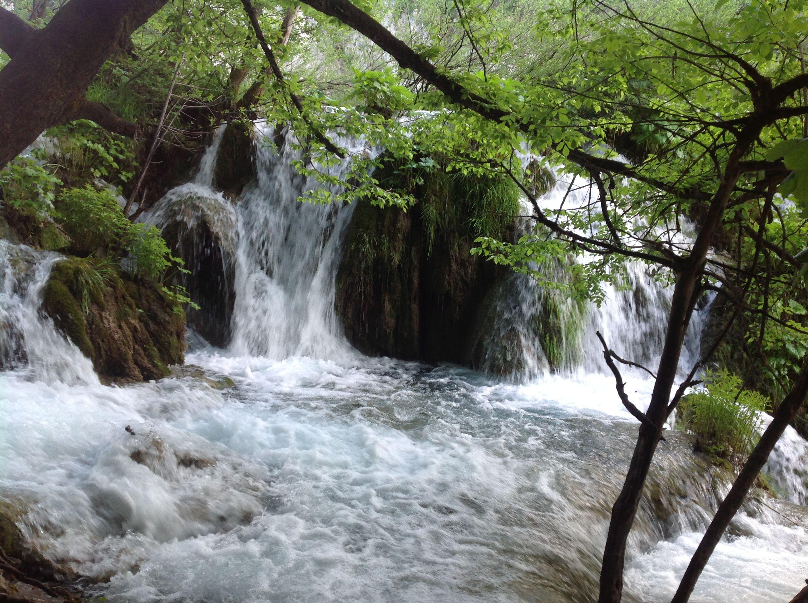 Плитвицкие озера — каскад из карстовых озер на реке Корана.