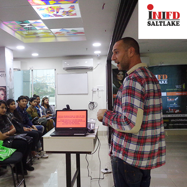 Day1 Of Workshop On Fashion Designing By Guest Lecturer From Londonschooloftrends Giving Students An International Tutorial Ex Fashion Design Workshop Design