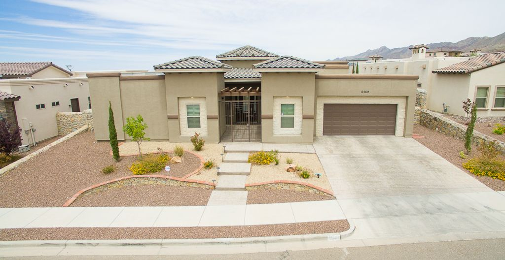 For Rent 6569 Tuscany Ridge El Paso Tx 2 950 4 Bedrooms 3 Baths Features Spacious Living Room Kitchen Com Renting A House Spacious Living Room House Styles