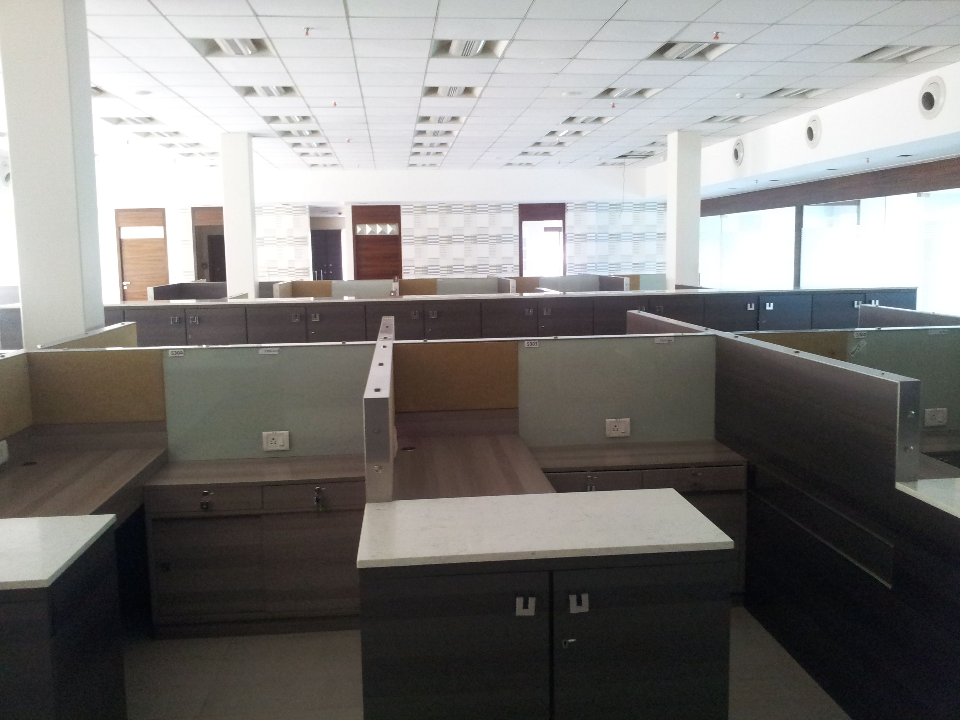 http://www.iosrealty.in/office-space-D-17.htm  Commercial Properties Furnished Office Space Plug N Play Offices at Andheri Bandra Kurla Complex Kalina CST Road on Rent Lease Sale for Corporate & MNC
