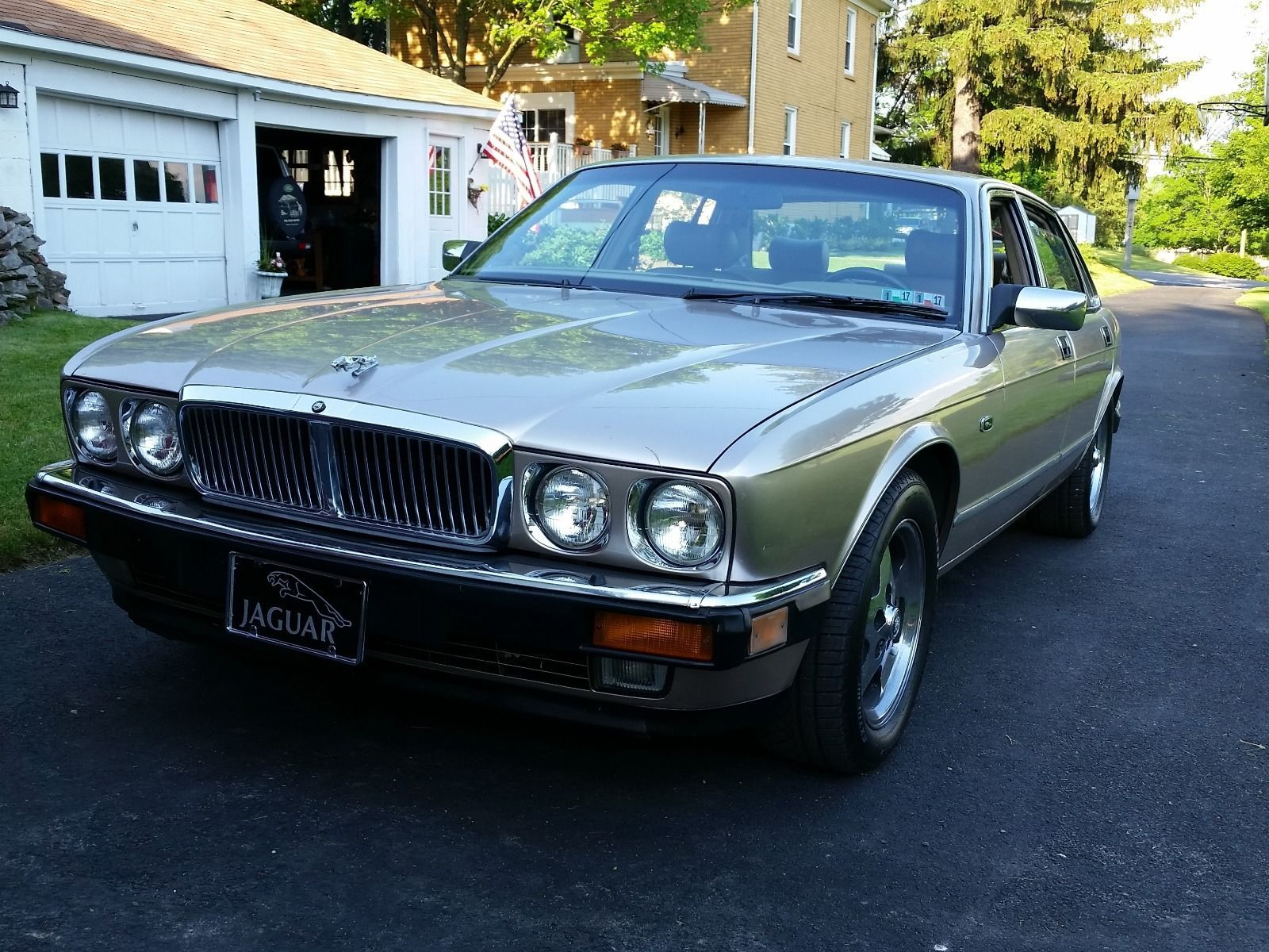 47a979e1c4b24afe6d22c66ade887bac Take A Look About 1990 Jaguar Xj6