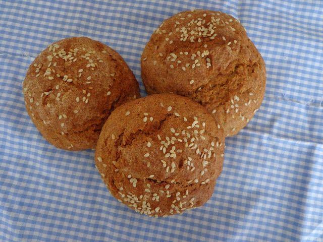 coffee and chocolate: Пълнозърнести содени хлебчета