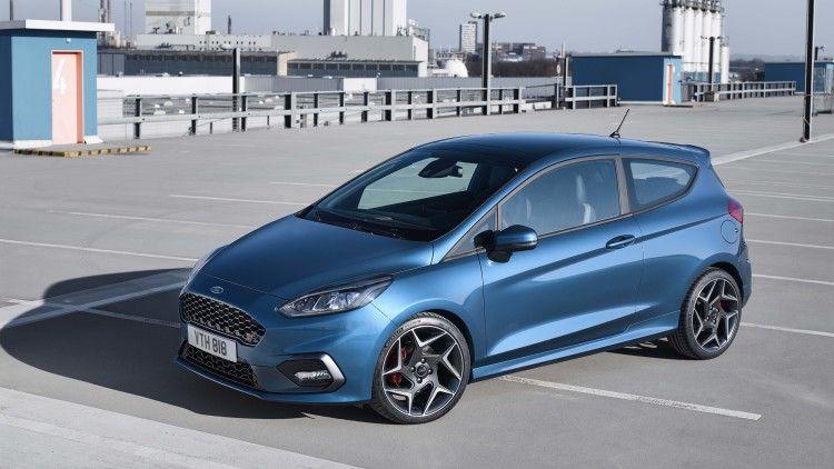 The New Ford Fiesta St Is A Three Cylinder Speed Machine Samochody