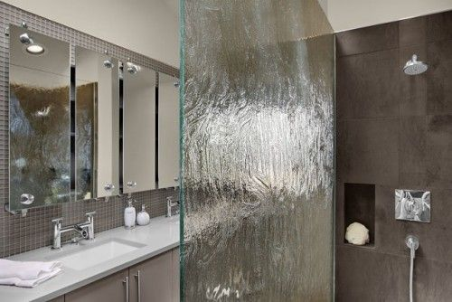 Another Alternative To The Plain Glass Shower That Has To Go Away