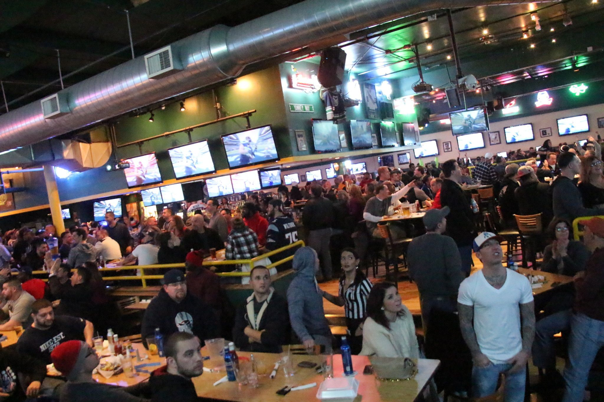 Best Sports Bars In Chicago   Google Search