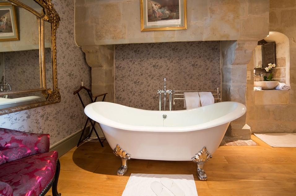 Baignoire style ancien baignoire kit balneo baignoire for Taille baignoire classique