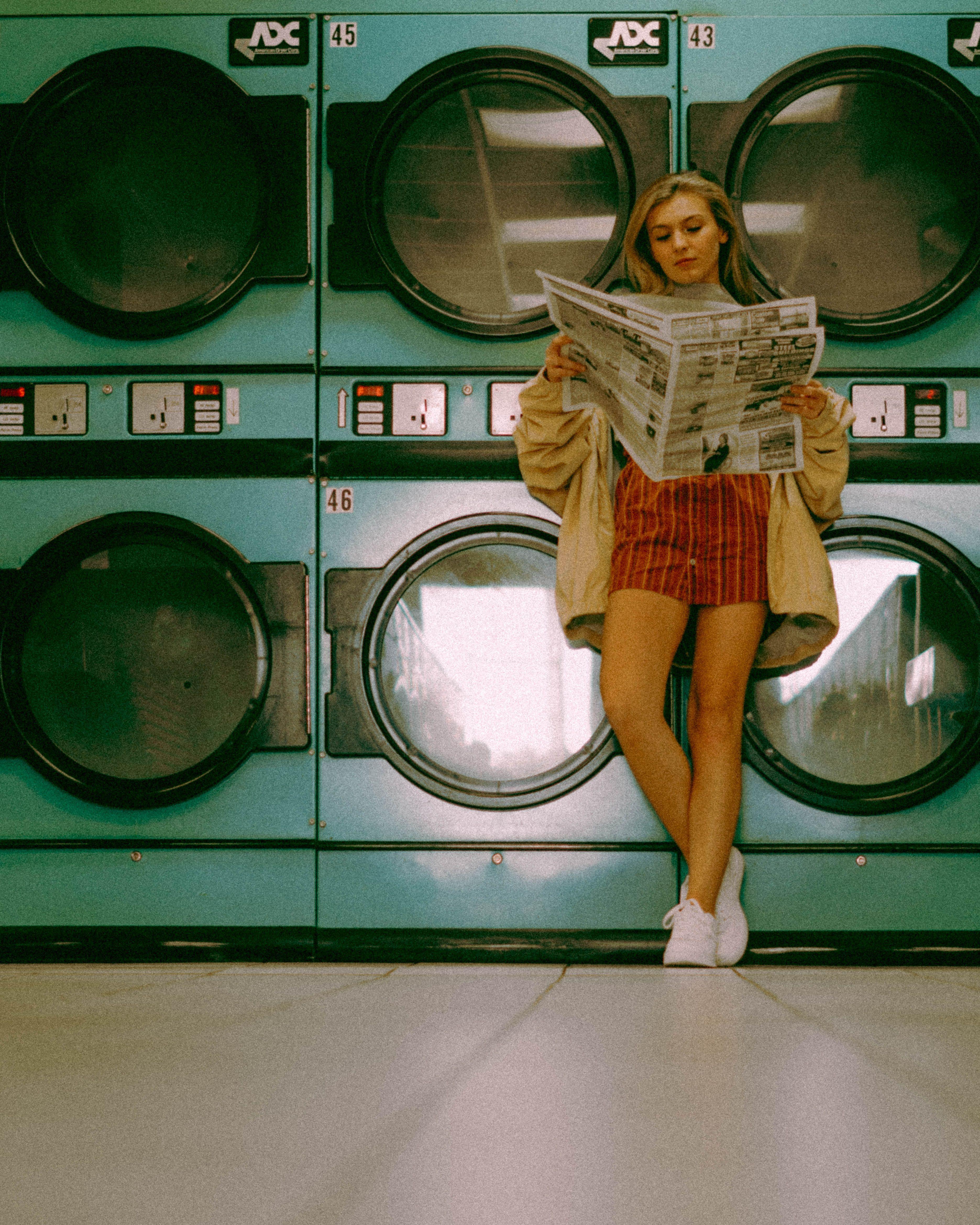 Photo of Insta: @tristandrobinson Laundromat retro 90s photoshoot#90s #insta #laundromat …
