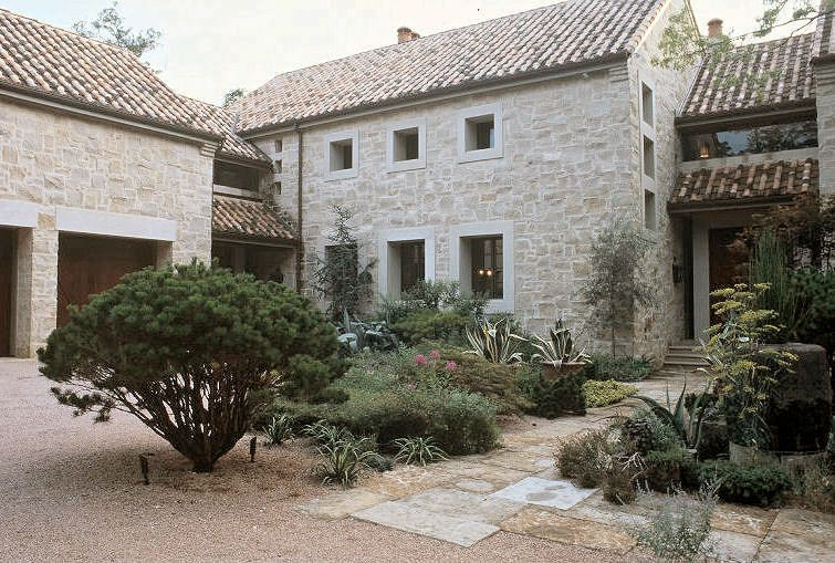 Texas hill country stone and siding home bing images for Hill country stone