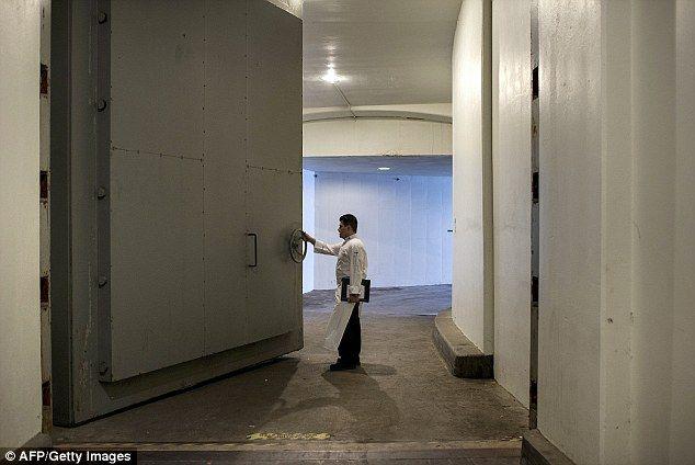 The Secret Government Bunker Hidden Under A Luxury Hotel Luxury Hotel Greenbrier Resort White Sulphur Springs