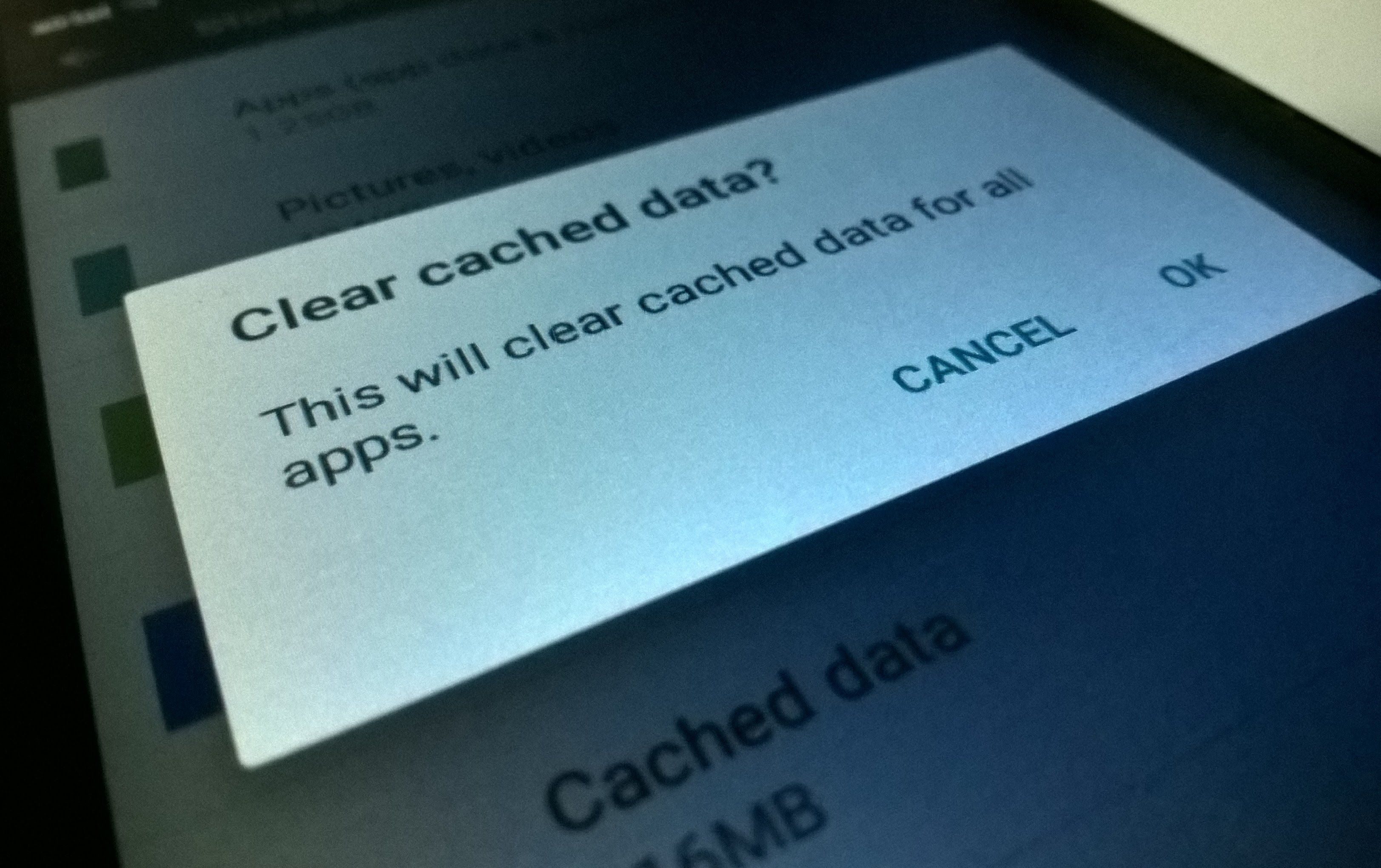 Clean up cache to free up RAM from your android device