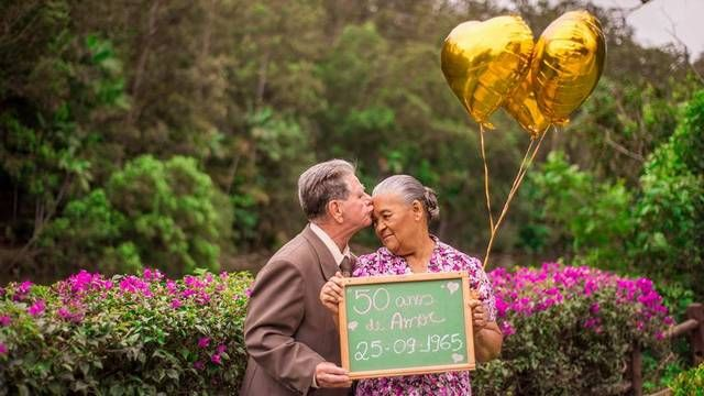 Casal Emociona Em Comemoracao Dos 50 Anos De Casado Em 2020